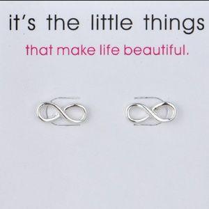 Jewelry - 🐘Infinity Earrings